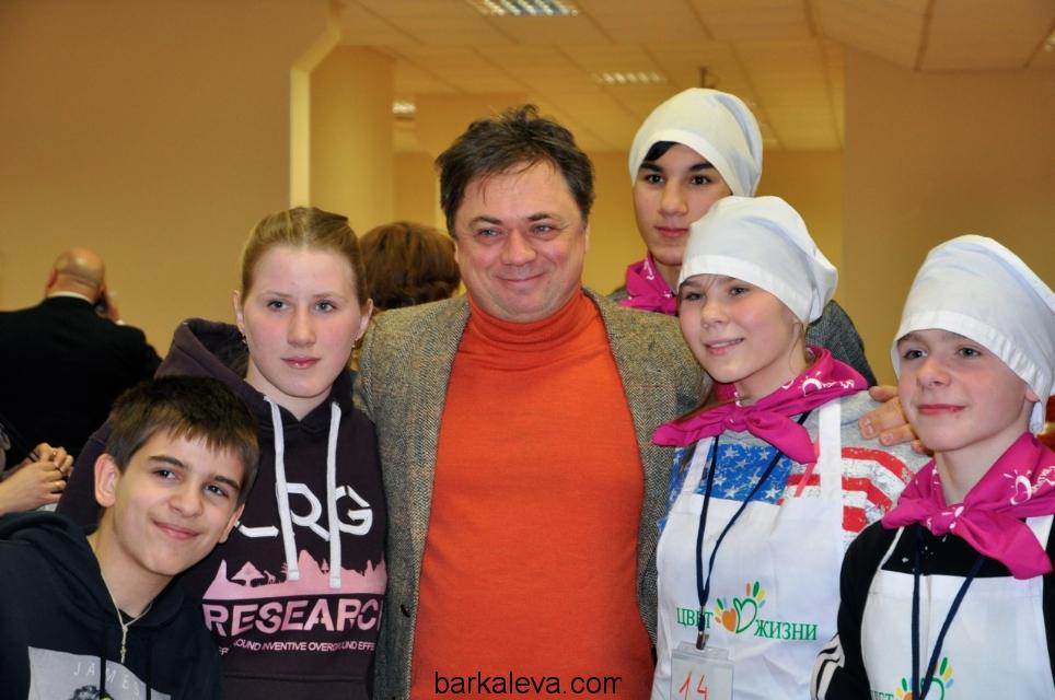 Андрей Леонов и дети
